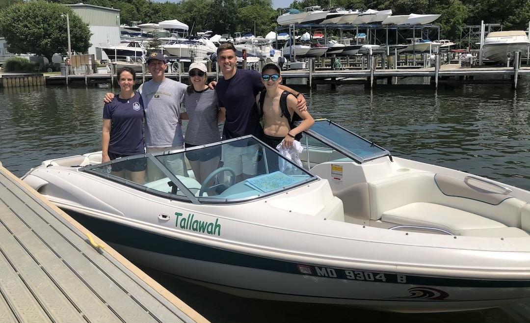 bow-rider-chesapeake-bay-bareboat-yacht-annapolis-south-river-water-skii