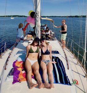 anniversary-cruise-birthday-romantic-sunset-cruise-charter-annapolis-chesapeake-bay-maryland-thomas-point-light-house-sailboat-south-river